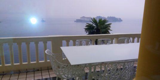 (Italiano) Appartamento in vendita Stresa – Isola bella