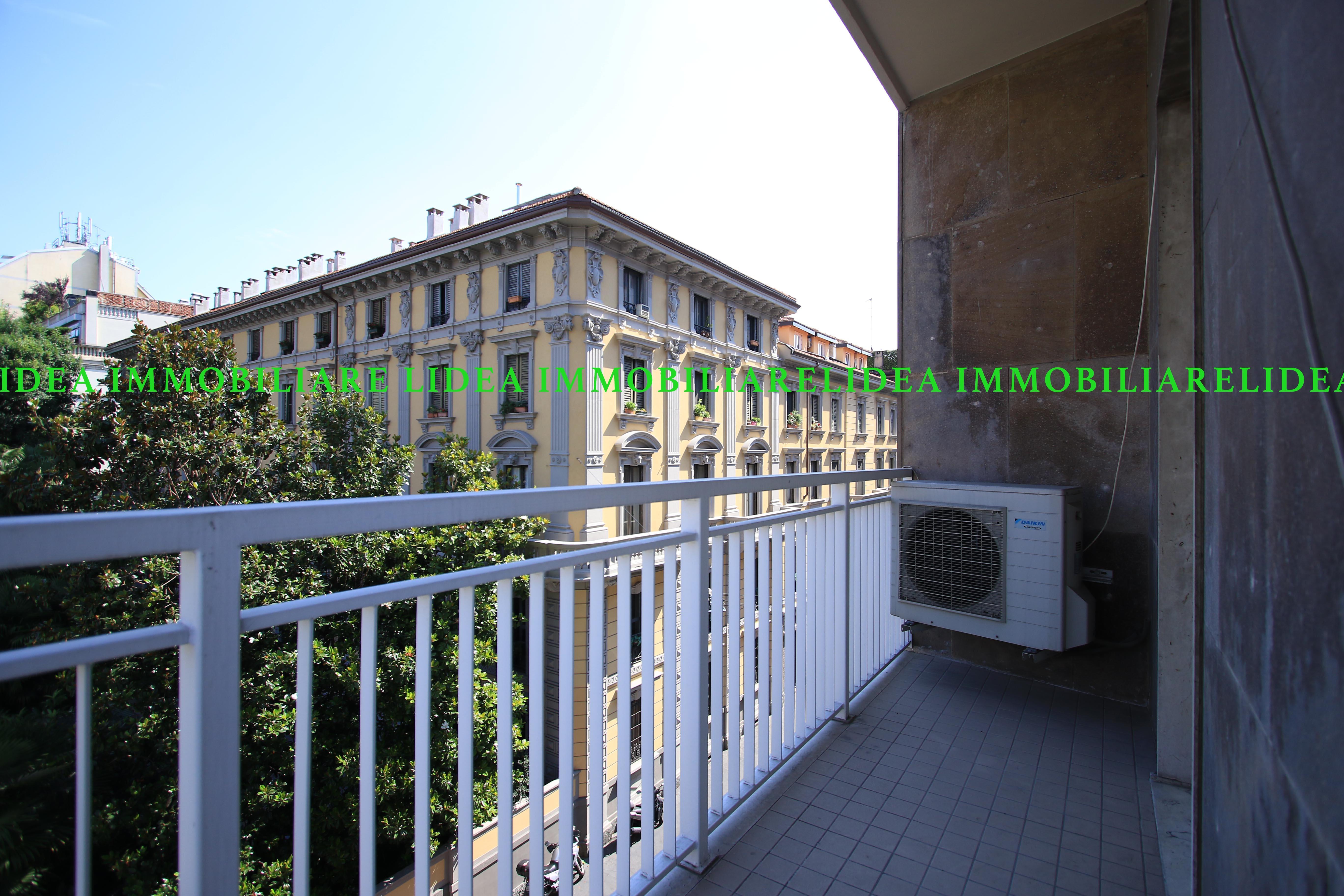 (Italiano) Appartamento con tripla esposizione- Corso indipendenza- Milano