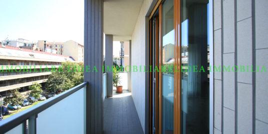(Italiano) Appartamento nelle immediate vicinanze di Via Washington, Milano
