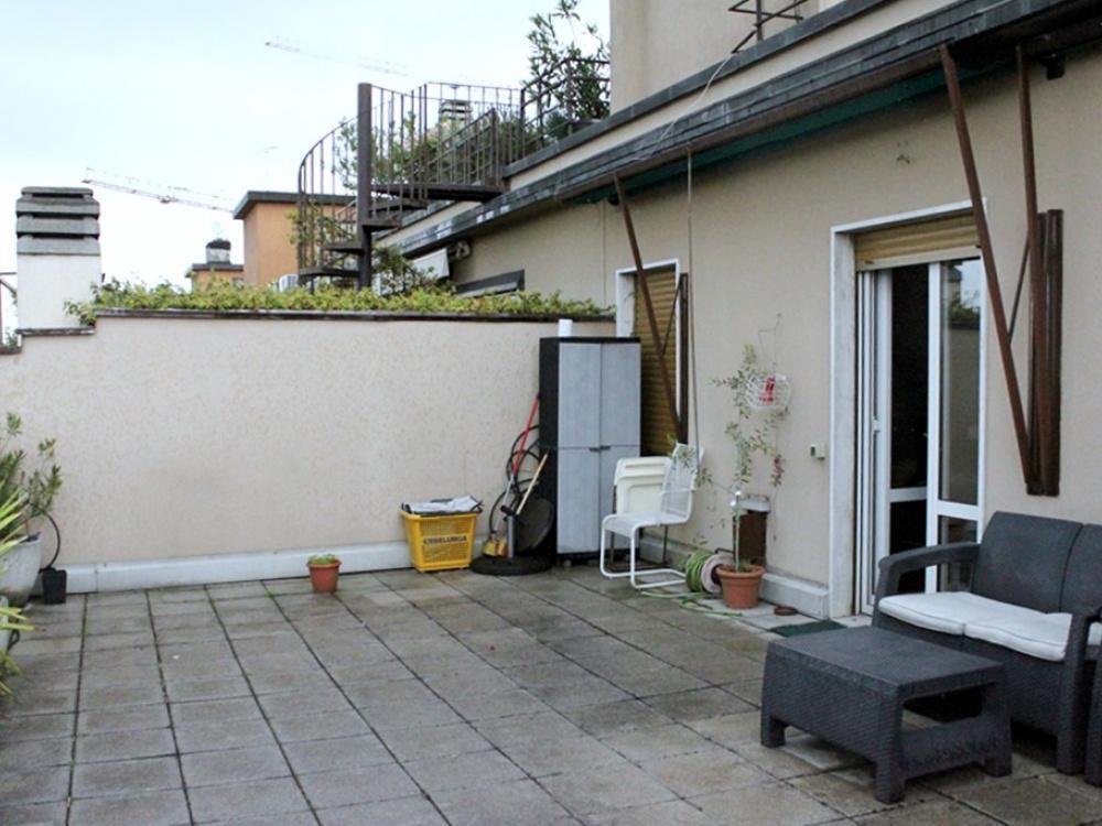 (Italiano) Appartamento zona Citylife- Milano