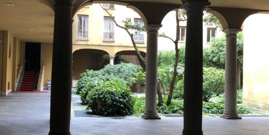 (Italiano) Quadrilocale da ristruttare in stabile d'epoca di grande charme -Santa Marta, Milano